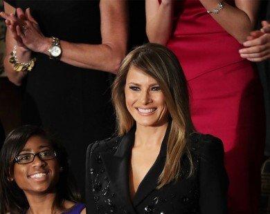Vợ Donald Trump gây chú ý với bộ cánh 10.000 USD