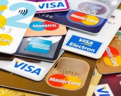 Bình quân mỗi người dân đang sở hữu hơn 1 chiếc thẻ ngân hàng