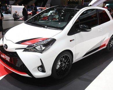 Toyota Yaris GRMN giá 695 triệu đồng đấu Ford Fiesta ST