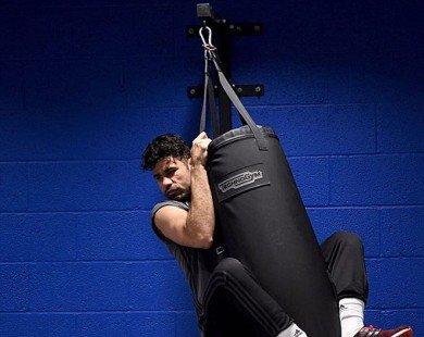 Diego Costa miệt mài tập gym chờ ngày đại chiến Man Utd