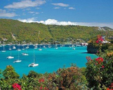 Top 10 bãi biển hẻo lánh đẹp nhất thế giới