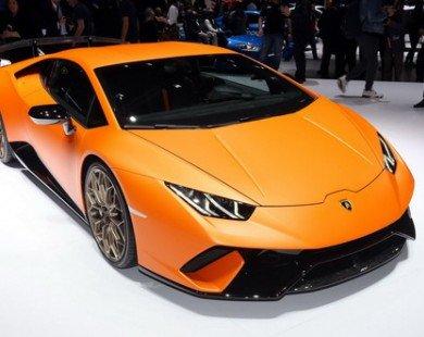 Lamborghini Huracan Performante có giá 6,3 tỷ đồng