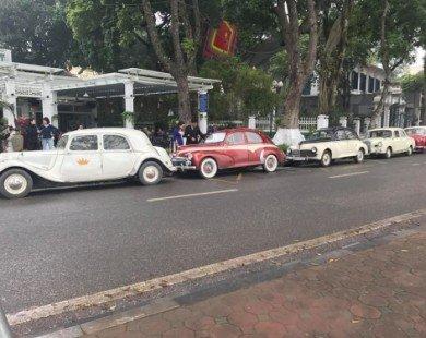 Dàn xế cổ Citroen quy tụ trên phố Hà Thành làm xe đón dâu