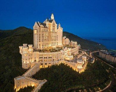Chiêm ngưỡng khách sạn sang chảnh đẹp tựa lâu đài cổ tích