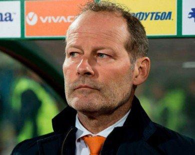 LĐBĐ Hà Lan sa thải HLV Danny Blind