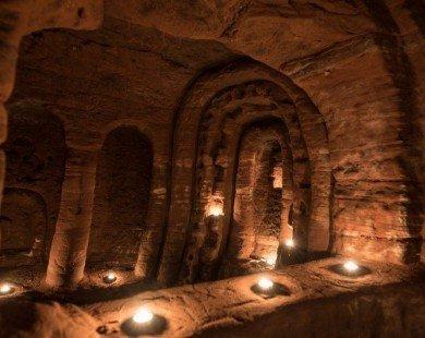 Ngỡ ngàng hang động Caynton ở Anh