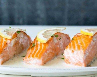 Bữa trưa sang chảnh với cá hồi sốt chanh béo ngậy