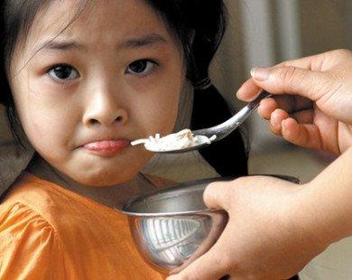 Cách khắc phục chứng biếng ăn cho bé
