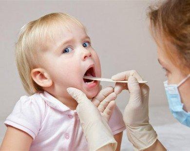 Việc cần làm khi trẻ bị viêm mũi họng
