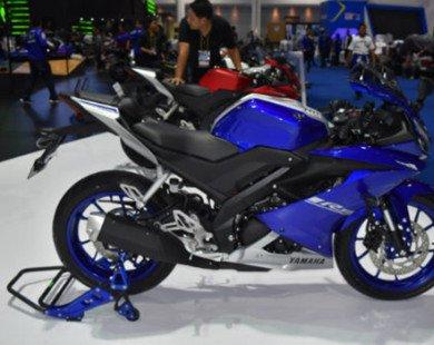 Yamaha R15 v3.0 lộ ảnh xe mới với giá 59 triệu đồng