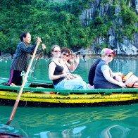 Việt Nam là điểm du lịch lý tưởng vào mùa hè