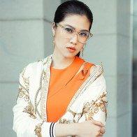 4 bộ cách hàng hiệu Versace sang trọng với Siêu mẫu Thu Hằng