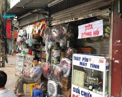 Dãy phố với 40 cửa hàng siêu nhỏ 1-2m2 tồn tại 40 năm giữa Hà Nội
