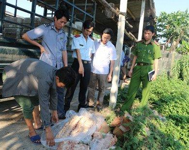 Tiêu hủy 45 kg cánh gà nhập khẩu đã hết hạn sử dụng