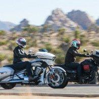 So kè xế khủng Moto Guzzi MGX-21 và Victory Magnum X-1