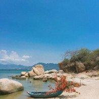 Lạc bước quên lối về ở bãi biển Bình Lập dịp tháng 4