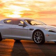 Siêu xe huyền thoại Aston Martin Rapide bị khai tử