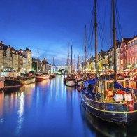 Choáng ngợp với 15 thành phố rực rỡ sắc màu nhất hành tinh
