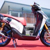 Honda SH độ đồ chơi hàng hiệu của biker Sài Gòn