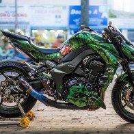 Kawasaki Z1000 độ tem rỉ sét xanh rêu độc đáo ở Sài Gòn