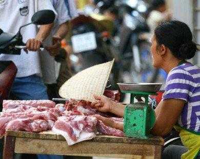 Giá thịt lợn lao dốc kéo CPI tháng 6 giảm