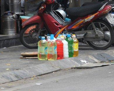 """Nước tẩy rửa """"siêu rẻ"""" ngập thị trường"""