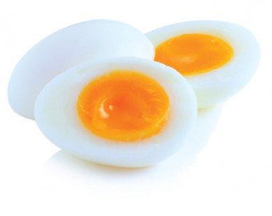 """Mách bạn những """"bí kíp"""" luộc trứng lòng đào ngon"""