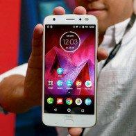 Moto Z2 Force ra mắt đối đầu Galaxy S8, OnePlus 5