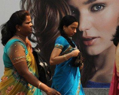 Nỗi ám ảnh da trắng và hội chứng tắm trắng của phụ nữ Ấn Độ