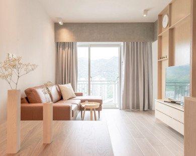 Căn hộ tối giản ấm áp với nhiều lớp nội thất gỗ
