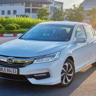 Honda CR-V và Accord giảm giá gần 200 triệu đồng ở Việt Nam