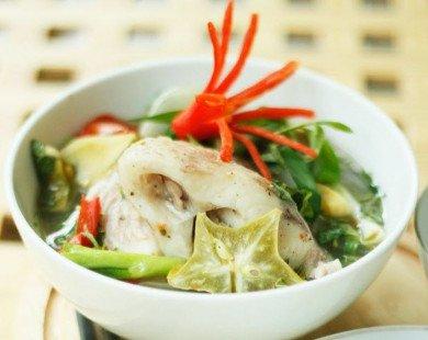 Cá hấp khế nóng hổi cho bữa cơm tối ngon đậm đà