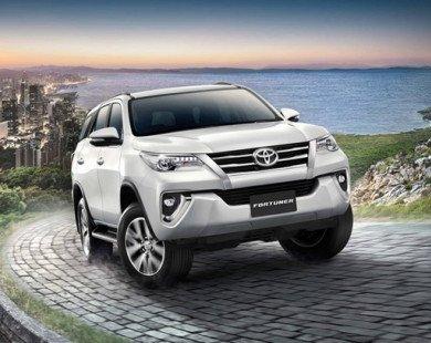 Toyota Fortuner 2.4V 4WD có giá bán 45.000 USD ở Thái Lan