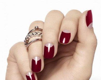 Khuấy động mùa hè với những mẫu móng tay màu đỏ
