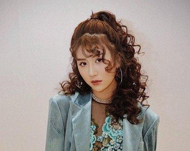 Sao Việt cực khác lạ với tóc xoăn bà thím
