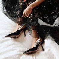 Mẫu giày nào đang hot?