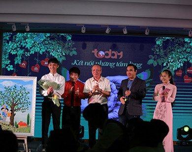 """Đông đảo nghệ sĩ Việt đến ủng hộ đêm gala """"Tiếp sức hồi sinh"""""""