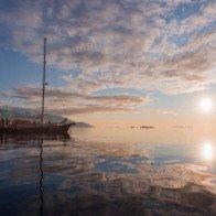 Bộ ảnh đẹp đến ngẩn ngơ về vùng đất băng giá Greenland