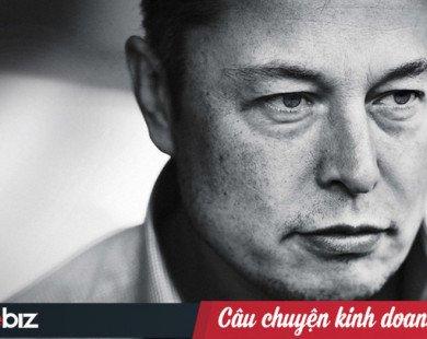 Phóng tên lửa đến lần 3 vẫn hỏng, 350 nhân viên tuyệt vọng cùng cực, Elon Musk chỉ nói 1 câu, chưa đầy 5 giây mọi người lại hừng hực khí thế