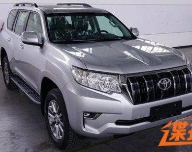Toyota Land Cruiser Prado 2018 lộ diện trước ngày ra mắt