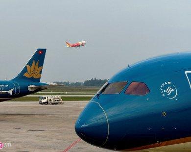 Phí đẩy giá vé máy bay tăng, hàng không khẳng định chỉ 'thu hộ'