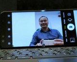 Smartphone Việt gia nhập cuộc chơi 'màn hình vô cực'