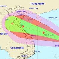 Các trường miền Trung cho học sinh nghỉ học trước bão số 10