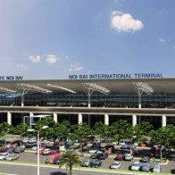"""Đi sân bay Nội Bài 160.000: Taxi """"đổi máu"""" giành khách"""