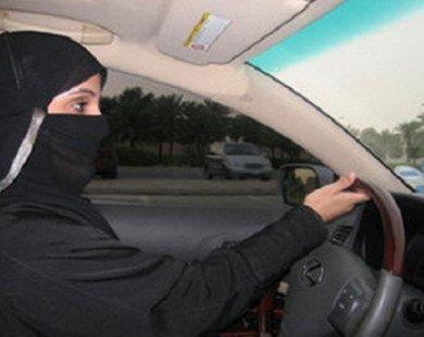 Ả-rập Xê-út chính thức bỏ lệnh cấm phụ nữ lái xe