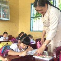 Chủ tịch Quốc hội: Giải quyết ngay cho hơn 400 trẻ đến trường