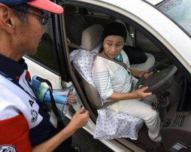 Nhật Bản 'nhức đầu' vì các cụ ông, cụ bà lái xe