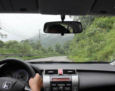 Đi xe hơi ở tỉnh 'sướng' lắm