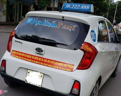 Hà Nội cũng yêu cầu taxi gỡ bỏ khẩu hiệu phản đối Uber, Grab