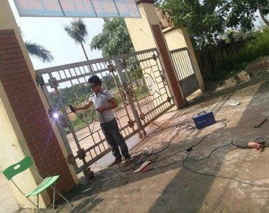 Phụ huynh tố nhà trường thờ ơ khi học sinh bị cổng đè gãy xương